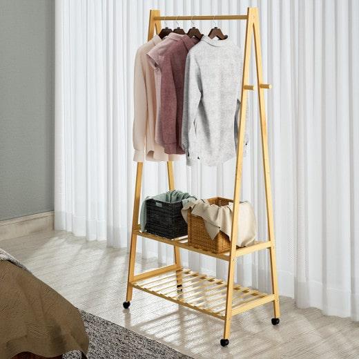 Kleiderständer Bambus mit Kleiderstange + 2 Ablagen und 4 Rollen